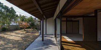 Terrace by 傳寶慶子建築研究所
