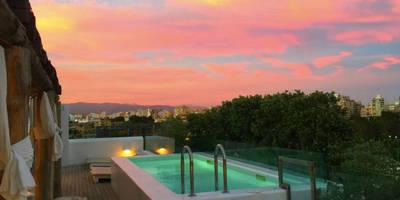 Hoteles de estilo  por UNIC POOLS® > Piscinas Ligeras
