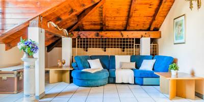 rustic Living room by Venduta a Prima Vista