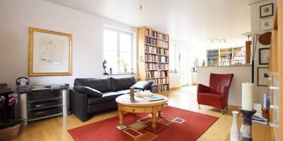 Bibliotheken: klassische Wohnzimmer von LIGNUM Schreinerei GmbH
