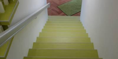 Parkett- und Treppensanierung Architekturbüro in Suhl:  Geschäftsräume & Stores von Parkett Kessel