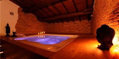 Spa de estilo moderno de Aquazzura Piscine