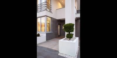 Wem gefällt unser Projekt LK&769? Diese schicke Villa ist schon fertig.:  Fenster von LK&Projekt GmbH