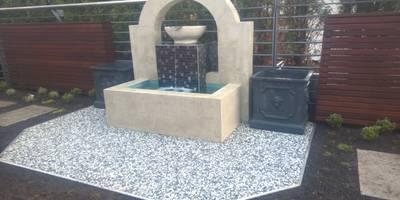 Brunnen: moderne Häuser von Neues Gartendesign by Wentzel