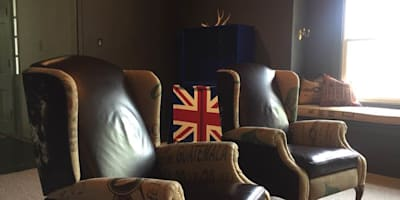 Leather backed Wingchairs: colonial Study/office by CKW Lifestyle