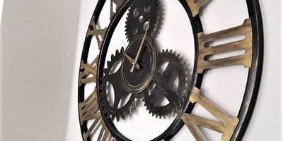Otantik Çarşı – Ferforje Dişli Duvar Saati Romen Rakamlı:  tarz