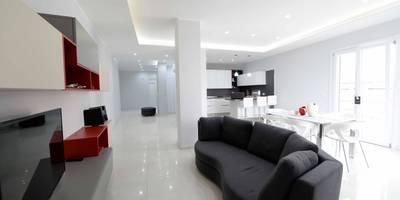 A casa di Antonella: Soggiorno in stile in stile Minimalista di yesHome