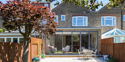 Extension & Renovation, East Sheen, SW14: modern Houses by TOTUS