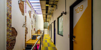 Hotel MX Roma : Hoteles de estilo  por DIN Interiorismo