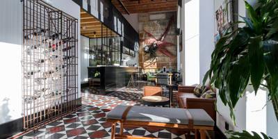 Hoteles de estilo  de Sizz Design