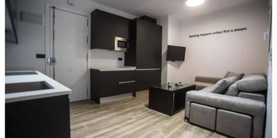 modern Living room by Empresa constructora en Madrid