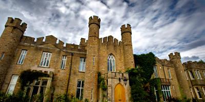 Historic English Castle:   von press profile homify