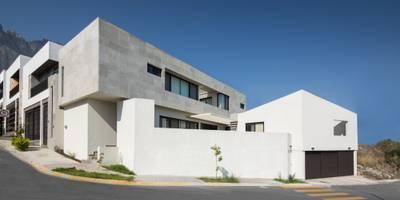 Rumah by LGZ Taller de arquitectura