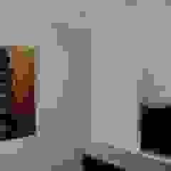 Wände mit Charakter Ruang Keluarga Modern