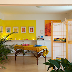 من Interiordesign - Susane Schreiber-Beckmann gestaltet Räume. إستوائي