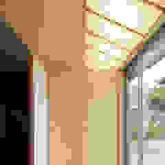 Pasillos, vestíbulos y escaleras de estilo rural de eu建築設計 Rural