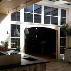Innenraum ARCHITEKTURBÜRO BORCHERDT Moderne Geschäftsräume & Stores