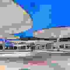 Balcones y terrazas de estilo moderno de ParedesPino arquitectos Moderno