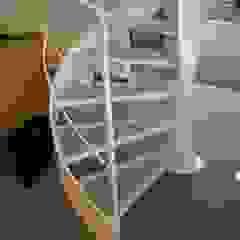 Helicoidal staircase Espaços comerciais modernos por Ni.va. Srl Moderno