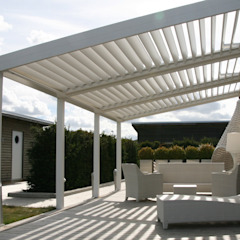 The BIOCLIMATIC Pergola by SOLISYSTEME توسط SOLISYSTEME مدرن