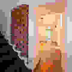 Koridor & Tangga Gaya Mediteran Oleh Einwandfrei - innovative Malerarbeiten oHG Mediteran