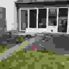 Paved Terrace โดย Neil Brown - Handyman & Renovations