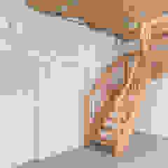 Wohnwert Innenarchitektur Garage / Hangar modernes