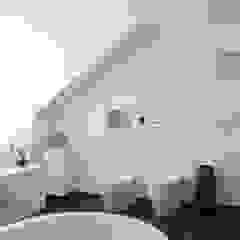 Leipziger Straße 19 Badezimmer von THOMAS GRÜNINGER ARCHITEKTEN BDA