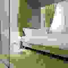 Hoteles de estilo moderno de Bcubo Architetti Moderno