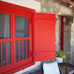 Country style windows & doors by ARAL TATİLÇİFTLİĞİ Country