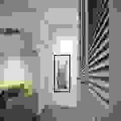 ЖК Отрада Коридор, прихожая и лестница в скандинавском стиле от Massimos / cтудия дизайна интерьера Скандинавский