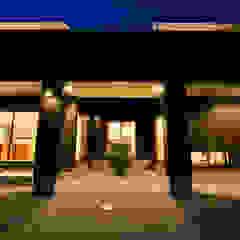 Maisons modernes par スクエア建築スタジオ Moderne