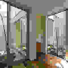 鳳の家 House in Otori モダンな庭 の arbol モダン