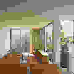 鳳の家 House in Otori モダンデザインの ダイニング の arbol モダン