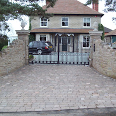 Driveways and Gates Country style garden by Unique Landscapes Country