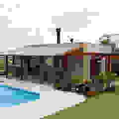 Espaço Família Garagens e edículas rústicas por Graça Brenner Arquitetura e Interiores Rústico