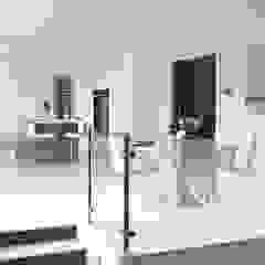 Purity Modern kitchen by Mowlem&Co Modern