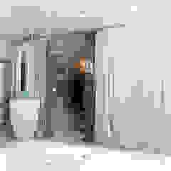 Spa moderne par Studio d'Architettura MIRKO VARISCHI Moderne