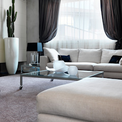 Salon moderne par Studio d'Architettura MIRKO VARISCHI Moderne