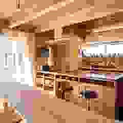 home sweet home カントリーデザインの キッチン の ATELIER TAMA カントリー