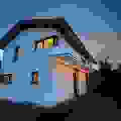 Neubau Passivhaus Bürgermeister-Wild-Straße in Ottobrunn: modern  von Planungsbüro Schilling,Modern
