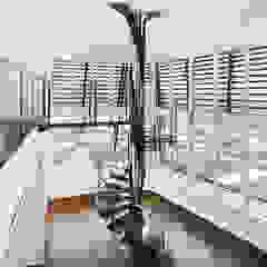 Andrea Rossini Architetto Pasillos, vestíbulos y escaleras de estilo moderno