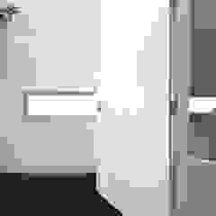 RielEstate Minimalistische badkamers van Joris Verhoeven Architectuur Minimalistisch