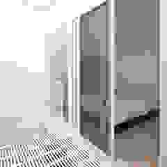 Balcon, Veranda & Terrasse originaux par ラブデザインホームズ/LOVE DESIGN HOMES Éclectique