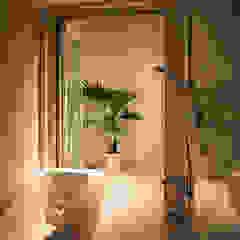 Salle de bain originale par ラブデザインホームズ/LOVE DESIGN HOMES Éclectique