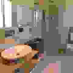 Bagno Zona Note Casa Mazzara due Bagno moderno di Alfonso D'errico Architetto Moderno