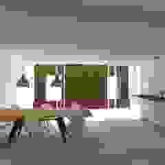 rendering cucina frontale Case moderne di viabrenneroarchitettura Moderno