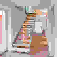 راهرو سبک کلاسیک، راهرو و پله من Dr. Michael Flagmeyer Architekten كلاسيكي