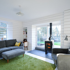 Heath Cottage Modern living room by Brown + Brown Architects Modern
