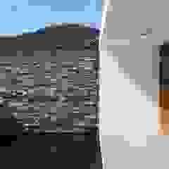 ZAAV-Casa-Interiores-1342 Paredes e pisos minimalistas por ZAAV Arquitetura Minimalista